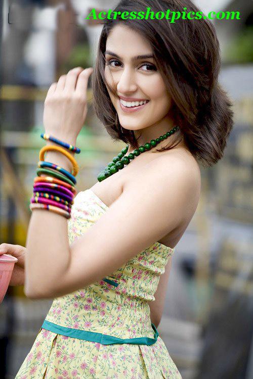 malfunction of bollywood actress. Wardrobe Malfunction